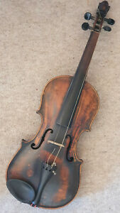"""Nice old violin w. a lions head, 1part back """"Budapest"""""""