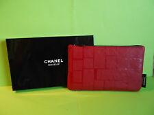 Chanel: jolie petite trousse rouge le vernis chanel- neuve