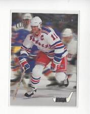 1993-94 Ultra Premier Pivots #6 Mark Messier Rangers