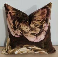Designers Guild Le Poem De Fleurs Rosewood & Omega Velvet Cushion Cover 40x40 cm