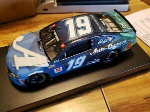 Martin Truex Jr. #19 Auto Owners Sherry Strong 2020 Camry 1:24