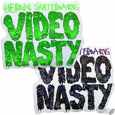 "L'Héroïne ""Video Nasty"" Skateboard Autocollant 11 cm x 9 cm Vert Snowboard Planche De Surf"