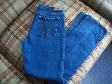 Levis Womens Size 8M (Actual 27x31) 505 Straight Leg Jeans 98/2 Spandex