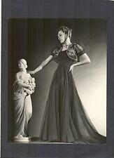 OLIVIA DE HAVILLAND - OUTSTANDING PHOTO BY SCOTTY WELBOURNE - EXC COND