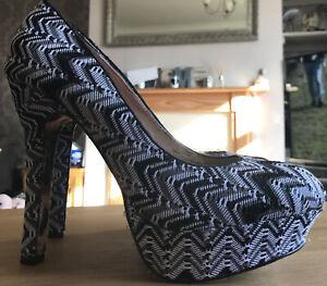Betsey Johnson High Platform Black & White Chevron Glitter Shoes 11M UK9 NEW