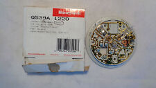 NEW IN BOX HONEYWELL Q539A 1220  THERMOSTAT SUBBASE TAUPE