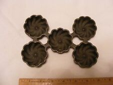 >> Wagner Ware 5 Cup Turk ,  K Pan. , Cast Iron muffin pan , Good condition