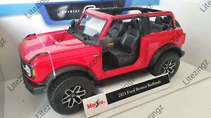 MAISTO 1:18 Scale Diecast Model Car 2021 Ford Bronco Badlands in Red