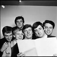OLD MUSIC PHOTO Group Portrait Of Unit 4 2 London 1965