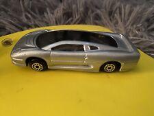 Maisto 1992 Jaguar XJ220 1:18 Diecast Car