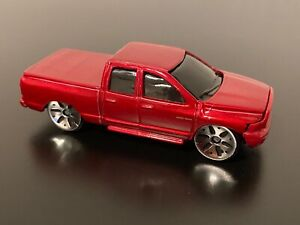 2002 DODGE RAM QUAD CAB MAISTO 2009 TOY TRUCK RED RAM TRUCK
