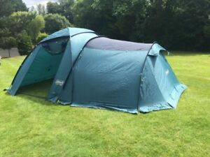 Coleman Bi-space 400 tent. Two compartments, 4 person