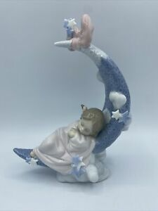 Lladro 6583 Heavens Lullabye Porcelain Figurine Girl Sleeping Crescent Moon