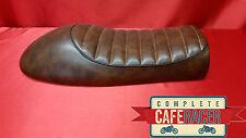 LS6 cafe racer asiento plano Tracker Brat Scrambler acabado en cuero marrón