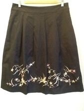 Stunning Sz 12 Events Embroidered Full Skirt