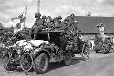 WW2 - Normandie - Paras US sur une voiture Horsch allemande