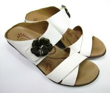 b8e51e762 Aetrex Womens 5 5.5 Sandals Shoes White Leather Slip On Flower Accent  Comfort