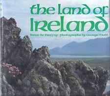 The Land of Ireland . Travel History . de Breffney Mott Abrams 166 illusTall HC