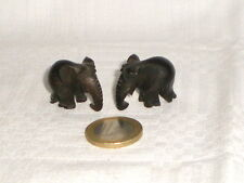 2 ELEPHANTS MINIATURES EN PALISSANDRE SCULPTE