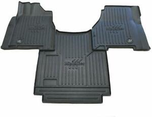 100865 Minimizer Freightliner CC122/132; 122SD Auto Trans Floor Mat