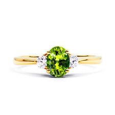 Anillos de joyería con gemas verde de oro amarillo diamante