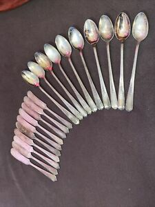 Vtg Lot 20 Silver plate Butter Spreaders/Spoons Vision Deerfield Rose Pattern