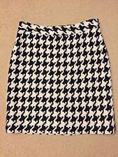 WHITE HOUSE BLACK MARKET Mini Skirt Size 4 Lined Houndstooth