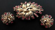 VINTAGE - SIGNED CORO - PINK RHINESTONE & GOLD TONE BROOCH & CLIP ON EARRINGS