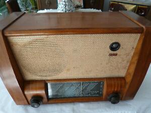 RFT- Röhrenradio mit UKW-Einbautuner, DDR, Anfang 50 er Jahre