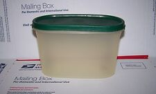VINTAGE TUPPERWARE OVAL CONTAINER WITH  HUNTER GREEN LID # 1612