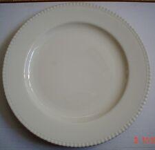 Un nome molto grandi color crema PIASTRA ROTONDA CARICABATTERIE piatto