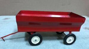Vintage Ertl 1/16 scale Ih red flare bed wagon pressed steel