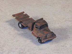 Z Scale 1948 Mack Weathered Flat Bed Truck