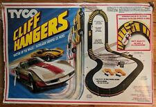 Tyco Cliff Hangers 6213 Race Car Set Electric Slot Race'Em Up the Walls 1990 HO