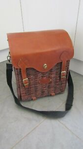 HUNTER London Picnic Hamper Basket for Two People - some contents