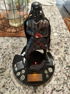 2011 STAR WARS DARTH VADER ALARM CLOCK RADIO Tested and WORKS!!BATTERY OPERATED