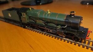 Hornby R2822 BR 4-6-0 Castle Class OO Locomotive 'Earl Cairns' OO Scale DCC