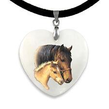 Pferd mit Fohlen - Perlmutt Herz Anhänger mit Samtkette CPP004