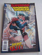 DC COMICS PROUDLY , SUPERMAN WONDER WOMAN , IN ENGLISH N° 4 DE 2014 .
