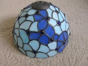 TIFFANY STAINED GLASS EFFECT PENDANT LAMPSHADE - BLUE