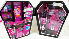 Monster High Draculocker doll + playset NEW BNIB