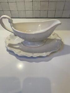 Gravy bowl and platter juliska