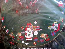 BUCILLA Felt Applique Christmas Holiday TREE SKIRT Kit,SANTA'S WORKSHOP,33247,34