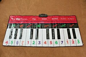 """FAO Schwarz The BIG Piano Large 70"""" long Floor Keyboard Works Perfectly w Case"""