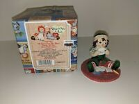 Enesco Raggedy Ann & Andy AT CHRISTMAS MY HEART THINKS OF YOU FIGURINE #104402