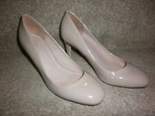 GORGEOUS PAIR OF LADIES PATENT HEELED SHOES,BY NEXT, SIZE 5,CREAM, FAB CONDITION