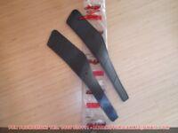 coppia tappetini pedana poggiapiedi gomma Malaguti Phantom F12 06401303 06401307
