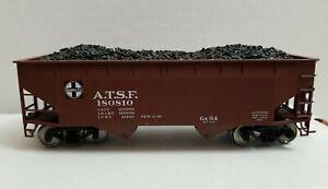 ATLAS HO 2-BAY OFFSET HOPPER w/COAL LOAD SANTA FE No. ATSF 180810 - RTR