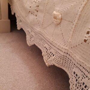 Handmade crochet Cream Heavy Dble Bedspread