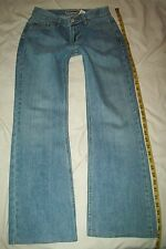 Woman's OLD NAVY Boot cut Blue Jeans Size 2 Short Pants Measure 28.5x27.5